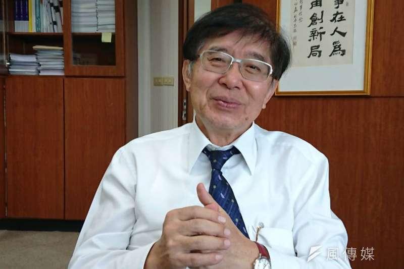 健保署長李伯璋16日宣布,6月起將放寬C肝新藥給付條件,只要驗出病毒就可治療。(資料照,黃天如攝)