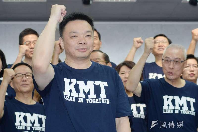 台南市長參選人高思博主打「大老二」戰略,認為目前坐二望一,並認為若要推翻民進黨執政,他是最有機會的人選,呼籲大家集中選票支持他。(資料照,甘岱民攝)