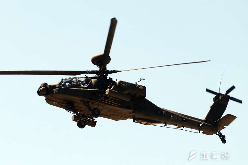 阿帕契直升機號稱「坦克殺手」,雖然機身龐大,但移動靈敏,加上偵蒐、打擊能力強,具全天候、全方位作戰能力。(蘇仲泓攝)
