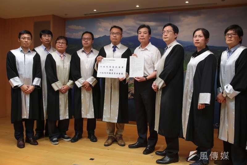20180718-新北市環保局長劉和然及訴願律師團18日召開「深澳燃煤電廠環差案訴願記者會」。(顏麟宇攝)