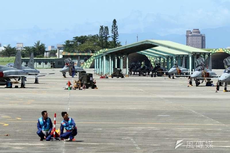 20180718-空軍今(18)天上午在台東志航基地,邀請媒體採訪三型主力戰機的首批女性飛行員。圖為空軍志航基地內一景。(蘇仲泓攝)