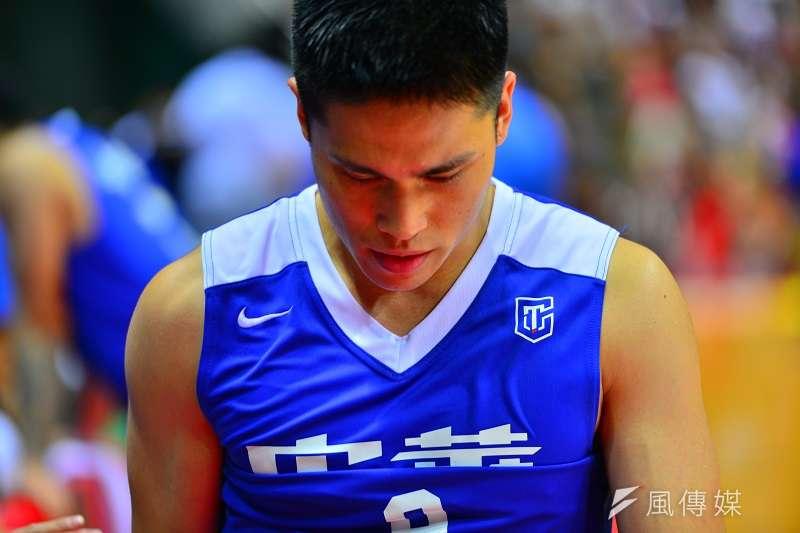 陳盈駿在比賽最後3秒時兩罰俱中,不過最終菲律賓投進逆轉三分,也讓中華藍以1分之差落敗。 (金茂勛攝)