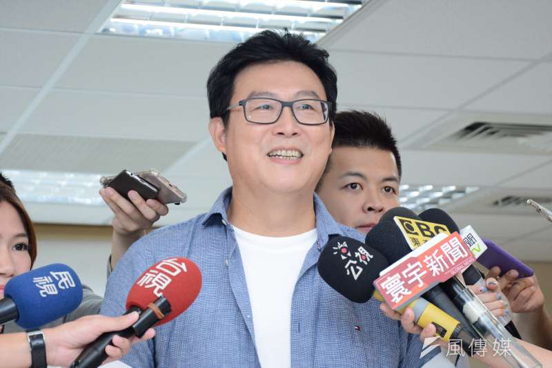 20180725-台北市長候選人姚文智接受採訪時表示自己對台灣2020正名參加東京奧運是持支持的態度。姚文智(龍德成攝)