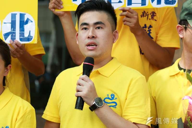 新黨發言人王炳忠誓言做堂堂正正的中國人,並認為統一真不能再這樣拖延下去,獲大陸網民讚賞。(資料照,簡必丞攝)