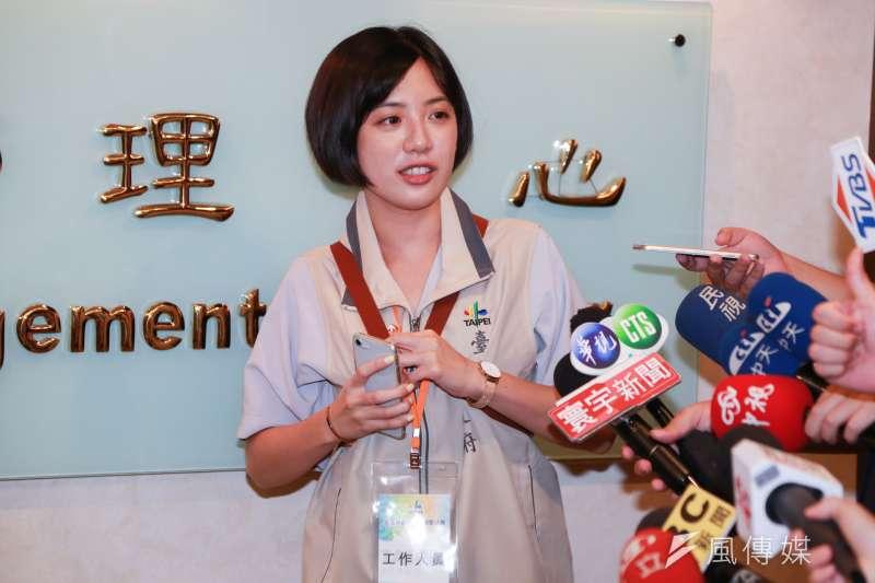 20180729-台北市長柯文哲幕僚黃瀞瑩接受媒體採訪。(簡必丞攝)