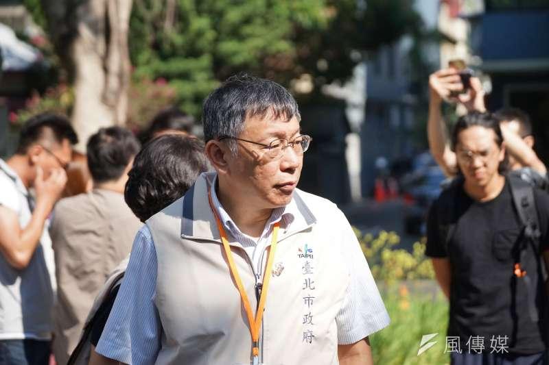 新台灣國策智庫31日公布六都最新民調,在台北市長一局,無黨籍的市長柯文哲以64.4%的「看好度」技壓藍綠。東華大學民族事務與發展學系教授施正鋒形容,柯好似「坦克車」。(資料照,盧逸峰攝)