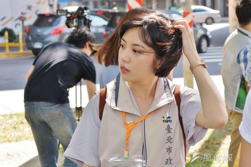 20180729-「學姊」黃瀞瑩參訪新竹隆恩圳。(盧逸峰攝)