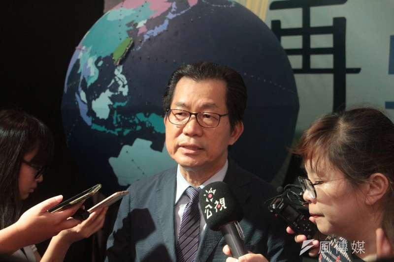 外界質疑台灣可能變成塑膠垃圾王國,環保署長李應元說,除特殊產業需求外,環保署原則上就是禁止。(陳韡誌攝)