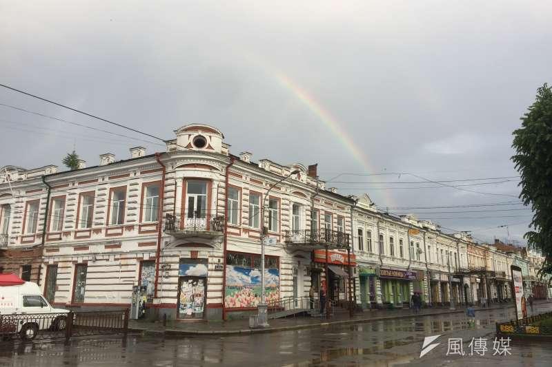 俄羅斯北奧塞梯亞自治共和國首府弗拉季卡夫卡茲市中心街景(簡恒宇攝)