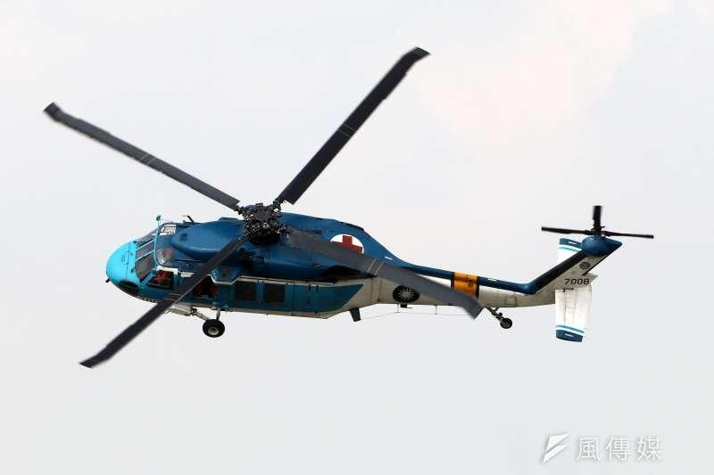 空軍救護隊S-70C直升機單機性能展示飛行。(蘇仲泓攝)