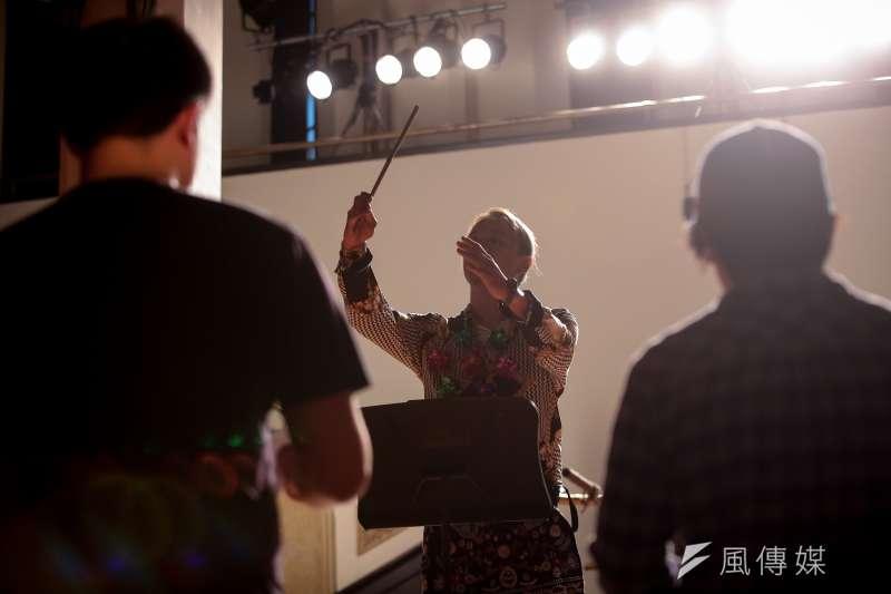 20180809-明日和合製作所9日於「第20屆台北藝術節」開幕記者會上,演出全新作品《山高流水之空中》精彩片段。(顏麟宇攝)