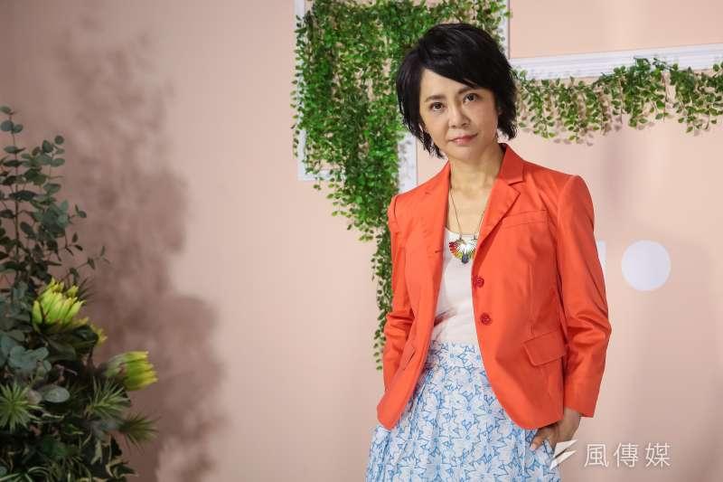 素有「偶像劇教母」之稱的柴智屏接受《風傳媒》專訪,大談回歸製作電視戲劇市場的原因,以及在中國影劇圈所碰上的種種困難。(顏麟宇攝)