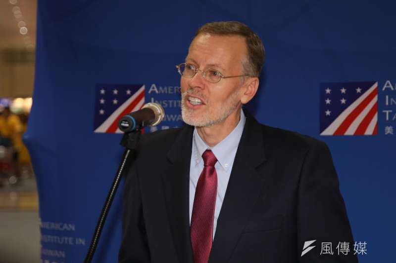 美國在台協會(AIT)新任處長酈英傑11日抵台履新,並發表簡短談話。(顏麟宇攝)