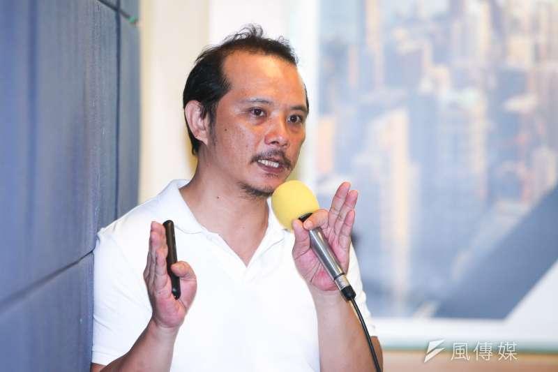 台灣勞工陣線主任-洪敬舒,出席20180816-台灣勞工陣線「社會不排除:居住正義與最低工資的社會設計」座談會。(陳明 仁攝)