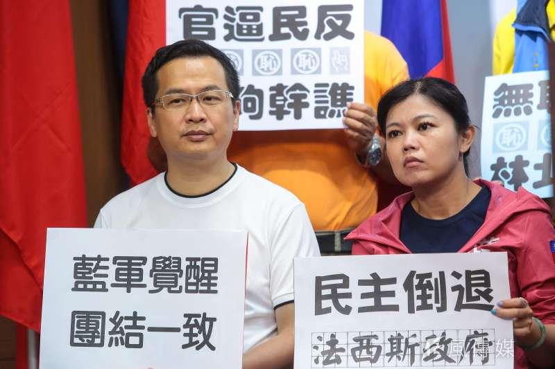 台北市議員參選人羅智強(左)感謝新北市長朱立倫,澄清「吸票機」謠言。(資料照,顏麟宇攝)