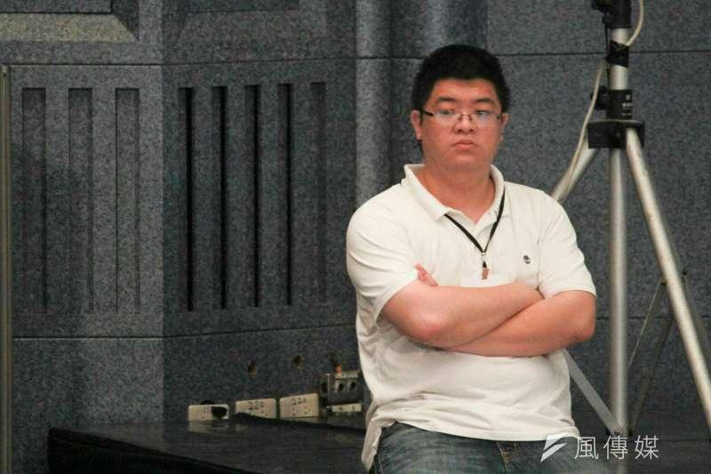 20180818-柯文哲幕僚邱昱凱。(方炳超攝)