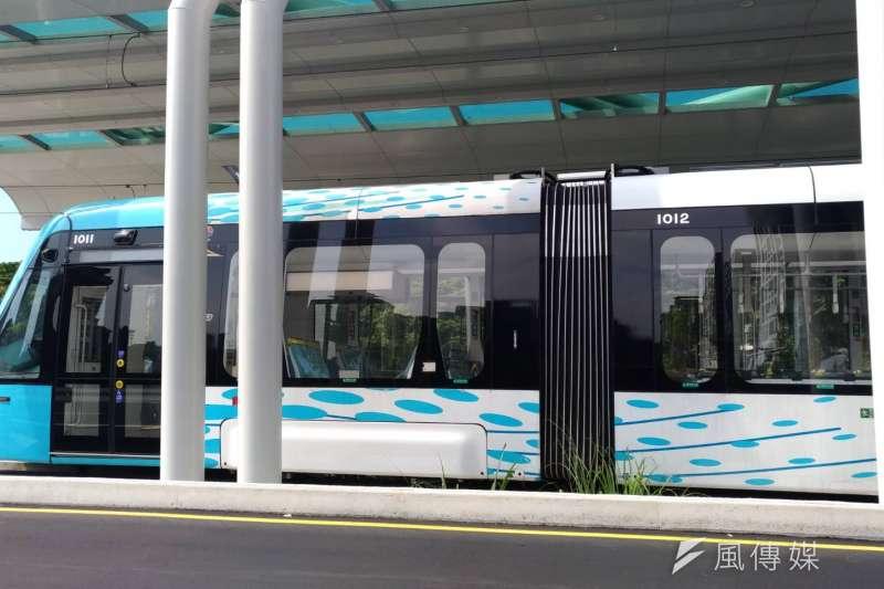 20180820-新北市淡海輕軌捷運已近完工階段,目前列車正頻繁試車中,預計於2018年底完工營運。(閻紀宇攝)