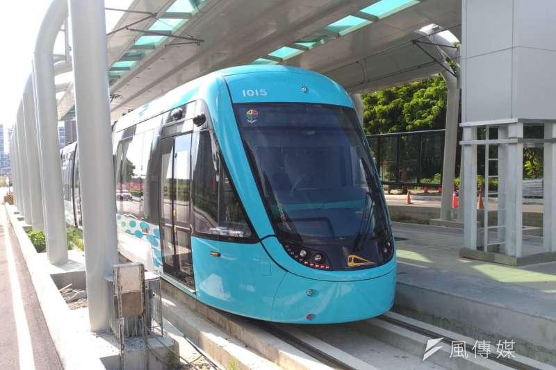 20180820-新北市淡海輕軌捷運已近完工階段,目前列車正頻繁試車,預計於2018年底完工營運。(閻紀宇攝)