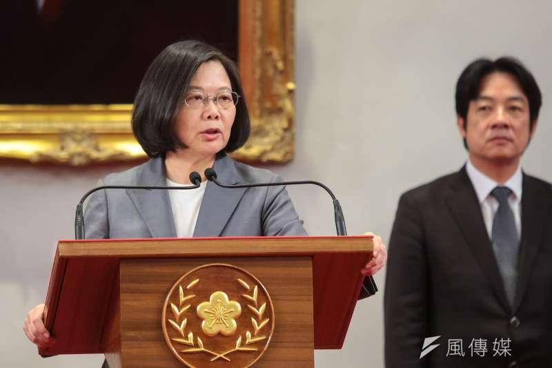 總統蔡英文21日於外交部宣布與薩爾瓦多斷交後,發表重要談話。她向國際社會喊話,這不是台灣的事,情勢迫切,已不容許有一點姑息。(顏麟宇攝)