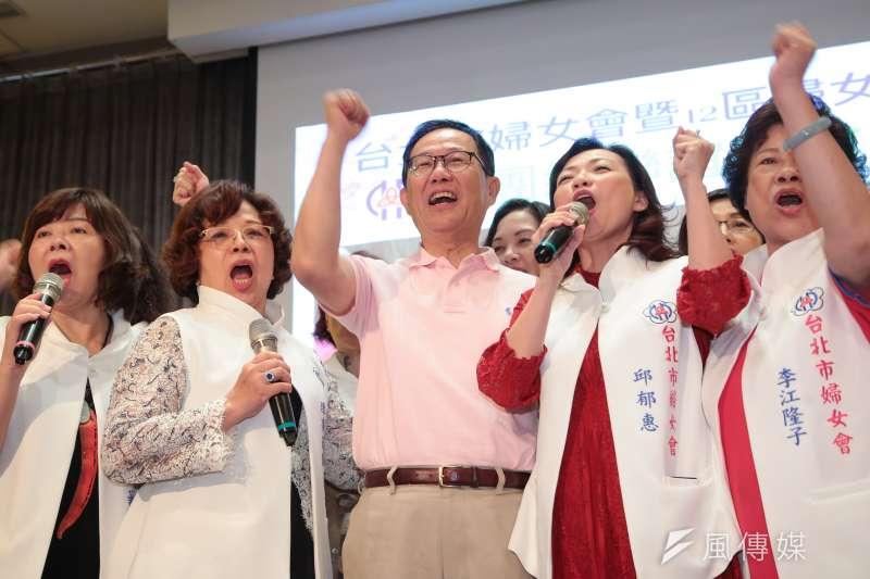 國民黨台北市長參選人丁守中表示,根據內部民調,近來他與台北市長柯文哲的差距縮小至落後3、4%。(顏麟宇攝)
