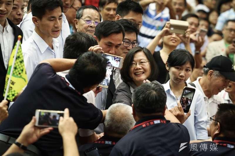 總統蔡英文晚間為民進黨台北市長參選人姚文智站台。(陳品佑攝)