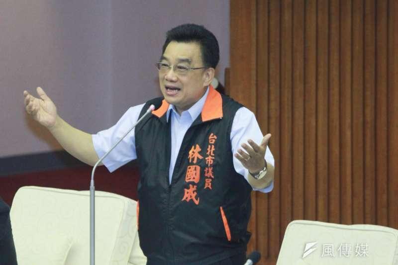 20180904-親民黨議員林國成於市議會進行質詢。(方炳超攝)