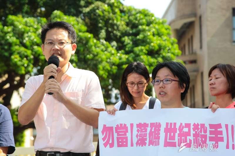 20180905-環境法律人協會理事長張譽尹律師5日出席「能源要轉型,三接該遷址」記者會。(顏麟宇攝)