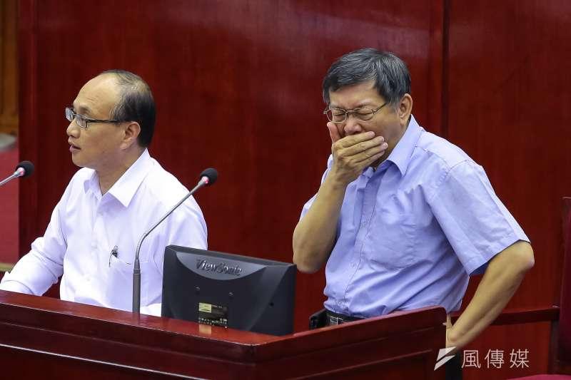 柯P出招,提出釋5萬兼職給退休公僕,吹皺政壇春水。(顏麟宇攝)