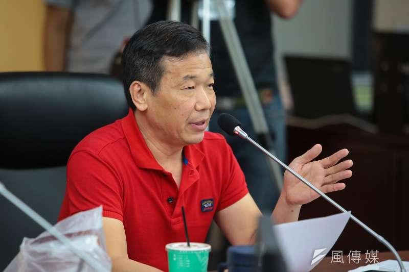 台北市議員鍾小平9日上午正式宣布退黨,並表示將為柯文哲助選。(資料照片,顏麟宇攝)