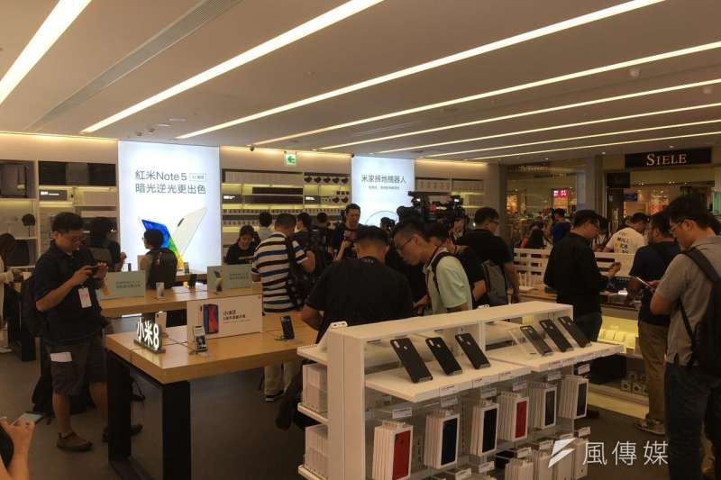 「小米之家台北信義威秀店」坐落在信義威秀1F。(風傳媒攝)