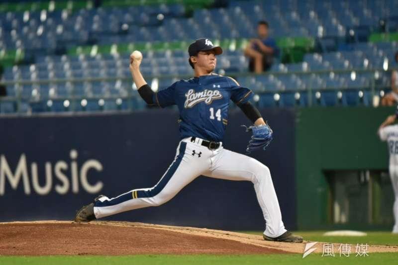桃猿投手蘇俊羽此役繳出完投完封勝的表現,幫助球隊以6比0擊敗中信兄弟。(資料照,王永志攝)
