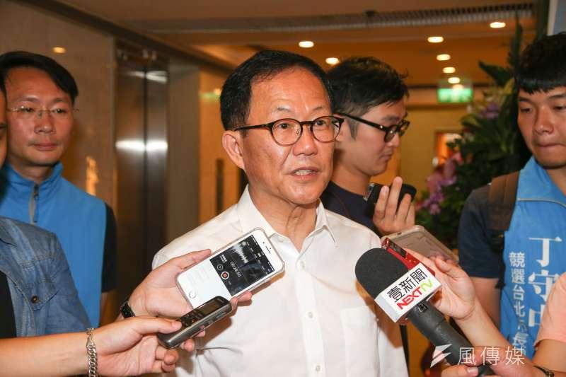 17日公布的最新民調中,國民黨台北市長參選人丁守中與現任市長柯文哲的差距僅4.1個百分點。丁守中認為,這是藍軍覺醒的訊號。(資料照,陳明仁攝)