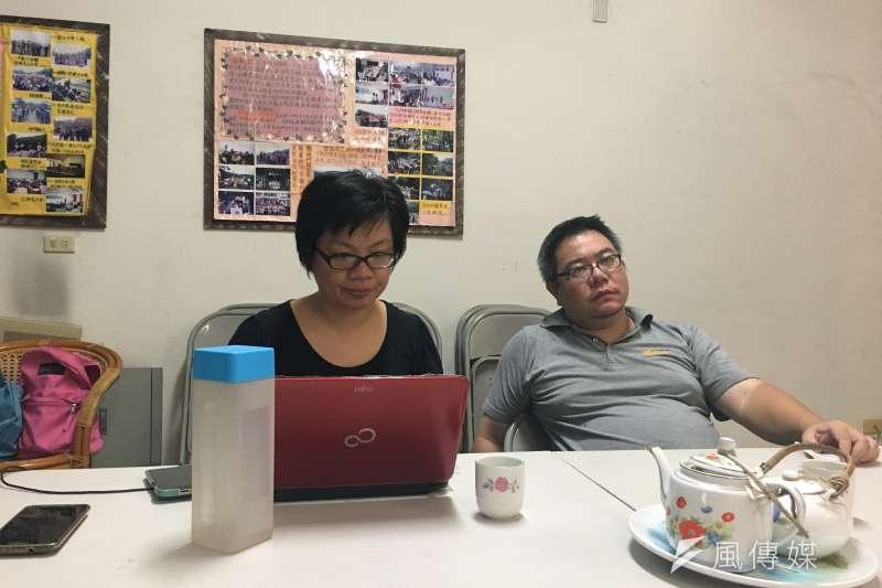 苗栗石虎保育協會秘書長吳佳其(左)、成員陳祺忠(右)。(尹俞歡攝)