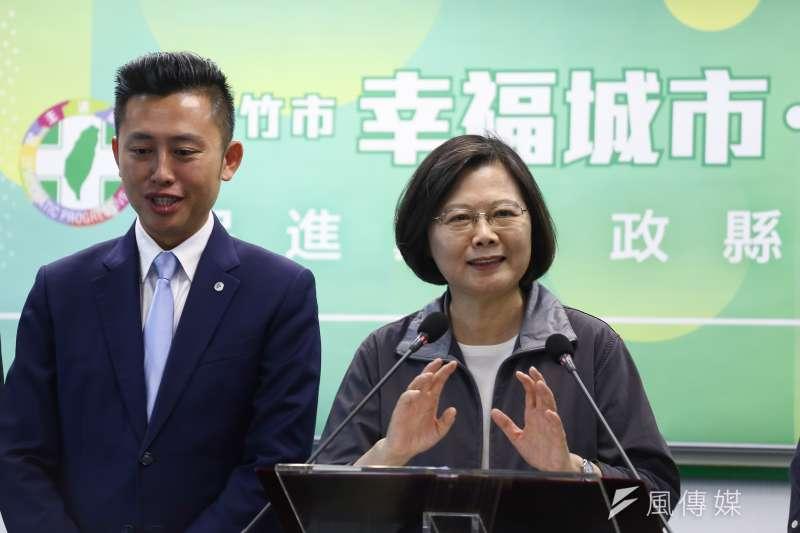20180919-民進黨中常會舉辦「一縣市、一政績、一故事」報告,蔡英文上台做總結。(陳品佑攝)