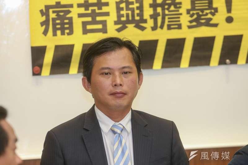 立法委員 黃國昌,出席20180925-邀請前總統馬英九參與核二除役說明會。(陳明仁攝)