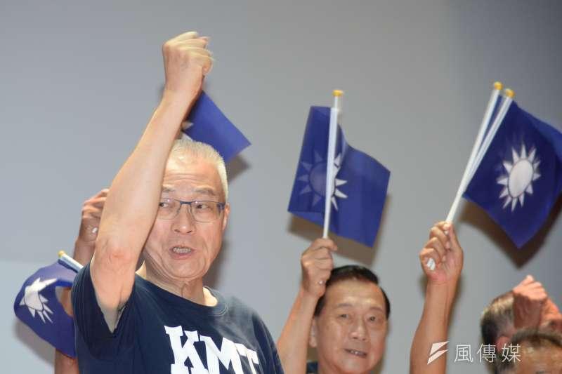 選前倒數一周,奔波各地輔選的國民黨主席吳敦義大概沒想到,候選人沒暴投,反倒是他失言暴投。(甘岱民攝)