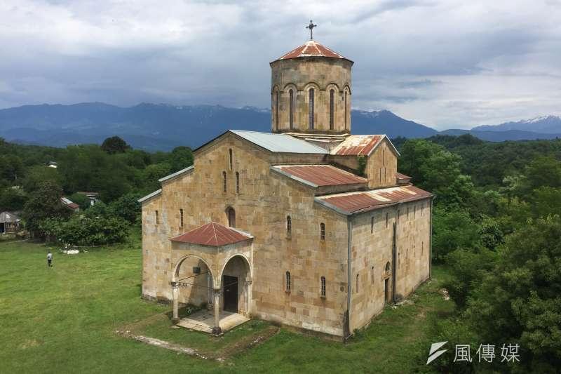 阿布哈茲:位於東南大區歐查姆奇拉(Ochamchire)的莫克維主教座堂建於10世紀(簡恒宇攝)