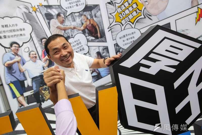 國民黨新北市長參選人侯友宜陣營推出互動科技的「侯小宜」,遭對手批評是山寨版。(資料照,顏麟宇攝)