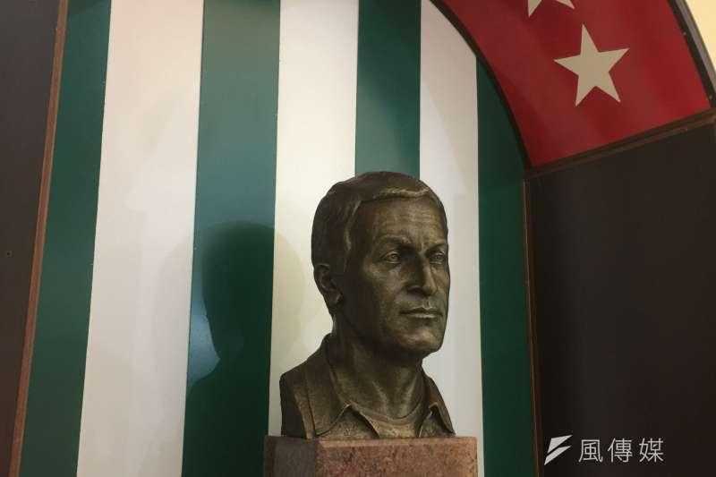 阿布哈茲:開國總統阿德津巴肖像(簡恒宇攝)