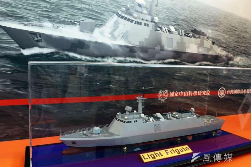 20181001-第二屆高雄海事船舶暨國防工業展中,中科院和國內船廠推出的新一代二級艦模擬圖和模型。(蘇仲泓攝)
