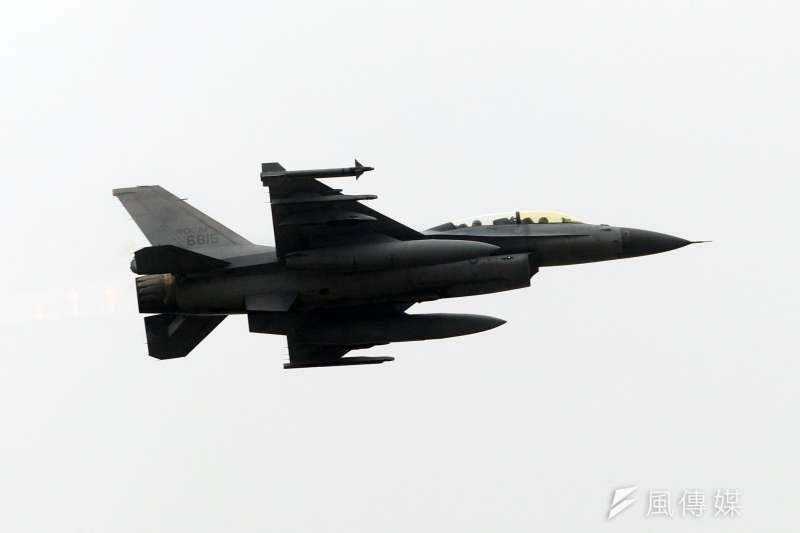 國軍在空軍花蓮基地舉行聯翔操演,圖為空軍F-16戰機。(蘇仲泓攝)