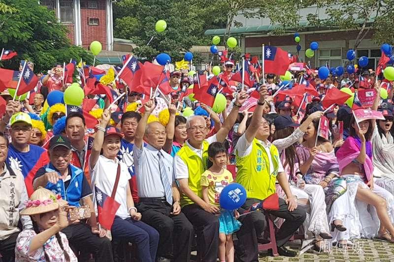 新竹市議會舉辦國慶嘉年華慶祝活動,吸引2千位民眾熱情參與。(圖/方詠騰攝)