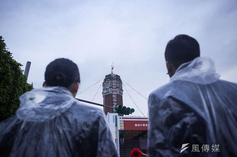 20181010- 2018年中華民國國慶大典,10日上午於總統府舉行國慶升旗。(陳品佑攝)