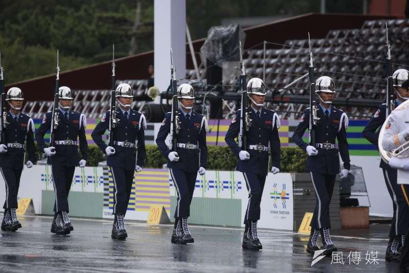 20181010- 2018年中華民國國慶大典10日上午於總統府前登場。由三軍樂儀隊暖場表演。(簡必丞攝)