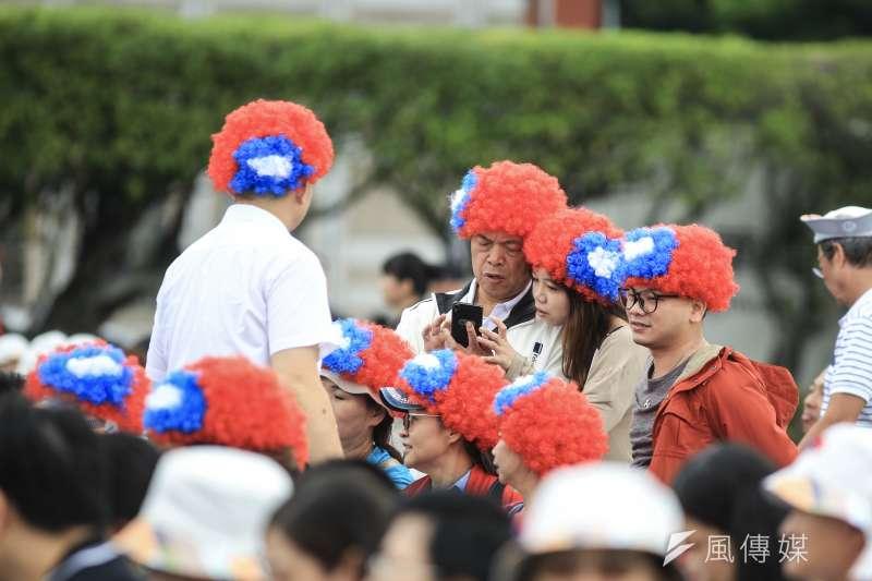 20181010- 2018年中華民國國慶大典10日上午於總統府前登場。民眾共襄盛舉。(簡必丞攝)