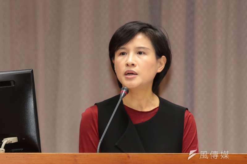 文化部長鄭麗君日前遭資深藝人掌摑,她表示心裡的傷比臉上的痛嚴重。(資料照片,顏麟宇攝)