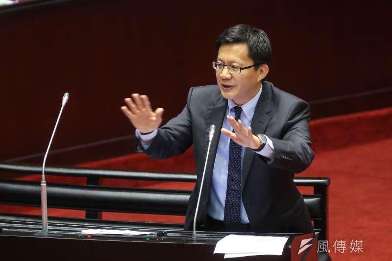 20181012-民進黨立委張廖萬堅12日於立院質詢。(顏麟宇攝)