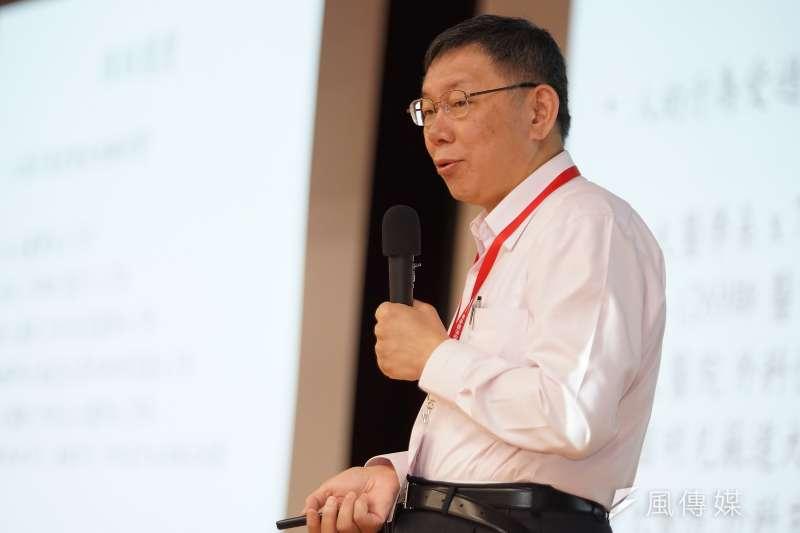 作者認為,是時勢打造了台北市長柯文哲,而非他創造了時勢;且柯也已摇身一變,由當年的清純素人模様,演變為熟練的投機政客。(資料照,盧逸峰攝)