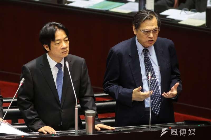 20181016-行政院長賴清德、陸委會主委陳明通(右)16日於立院備詢。(顏麟宇攝)