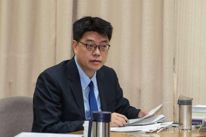 高雄市長韓國瑜稱兩岸係「你儂我儂」,陸委會發言人邱垂正14日在例行記者會指出,無論「先友後婚」或「你儂我儂」,重點是「拒絕恐怖情人」。(資料照,顏麟宇攝)